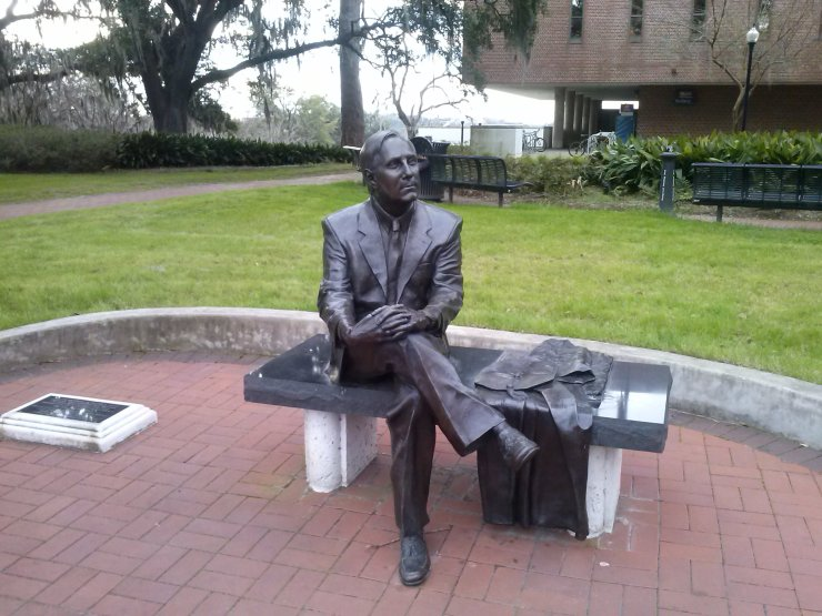 Statua dedicata a Thomas Kent Wetherell, president della Florida State University dal 2003 al 2009.