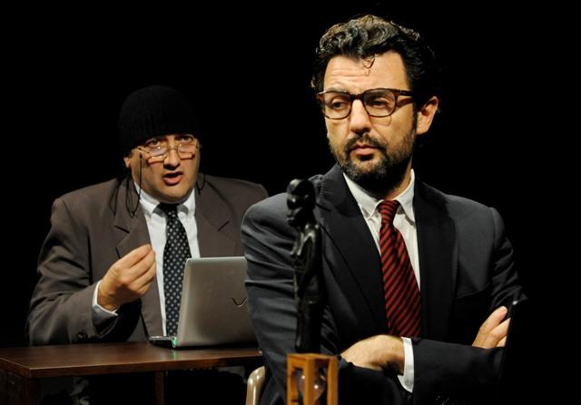 Enrico Ianniello e Tony Laudadio in un momento dello spettacolo